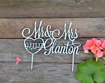 wedding Cake Topper with Data Mr and Mrs Personalized Custom Date Last Name Wedding Cake Toppers for Wedding Decor gold Bride and Groom