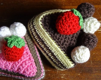 crochet cake slices (amigurumi)
