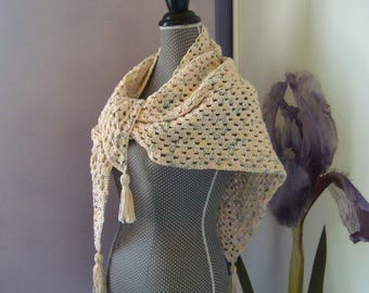 Shawl scarf / warmer - shoulders reader with 100% cotton yarn granny ecru/beige speckled effect 3 tassels