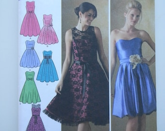 Party dresses women / prom / fancy / boustier a line dress / 2006 sewing pattern, Sizes 12 14 16 18 20, Bust 34 36 38 40 42, Simplicity 4070