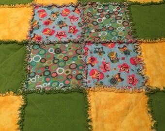 Baby Rag Quilt. Owls & cute circles!