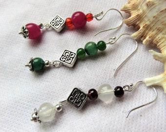 boucles d'oreilles , pierres 3 couleurs au choix, quartz, jade ou cristal, crochets en argent pur