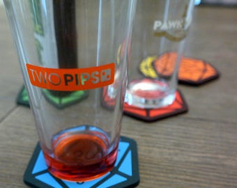 Two Pips: Pint Glass