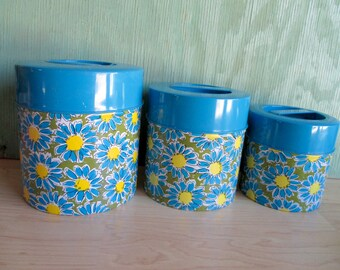 Vintage Tin Canister Set, OMC Japan Blue Mod Daisy Flower Pattern, 3 Mid Century Metal Nesting Tins from the 1960s, Kitschy Kitchen Storage