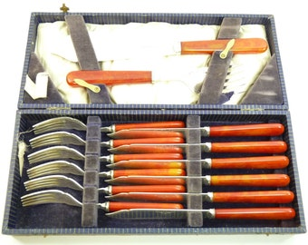 ART DECO Cutlery - Red Plastic Fish Set for 6
