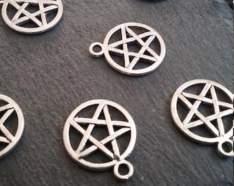 8 Antique Silver Tone Pentagram Charms