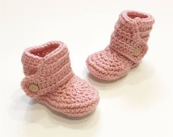 FREE SHIPPING! Baby booties, crochet baby boots, pink with wood buttons