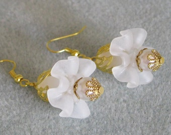 Gold Plated Lucite Ruffled White Flower Pearl Dangle Earrings