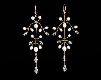 644 Gold earrings, Pearl earrings, Earrings pearls, Dangle earrings, Dangly earrings, Handmade earrings, Pearl jewelry, Wedding jewelry.