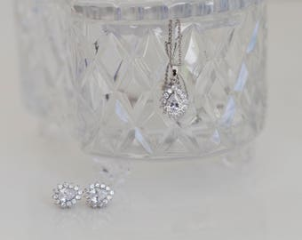 SALE - Sterling Silver Cubic Zirconia ClusterPendant with TraceChain - Perfect for Brides!