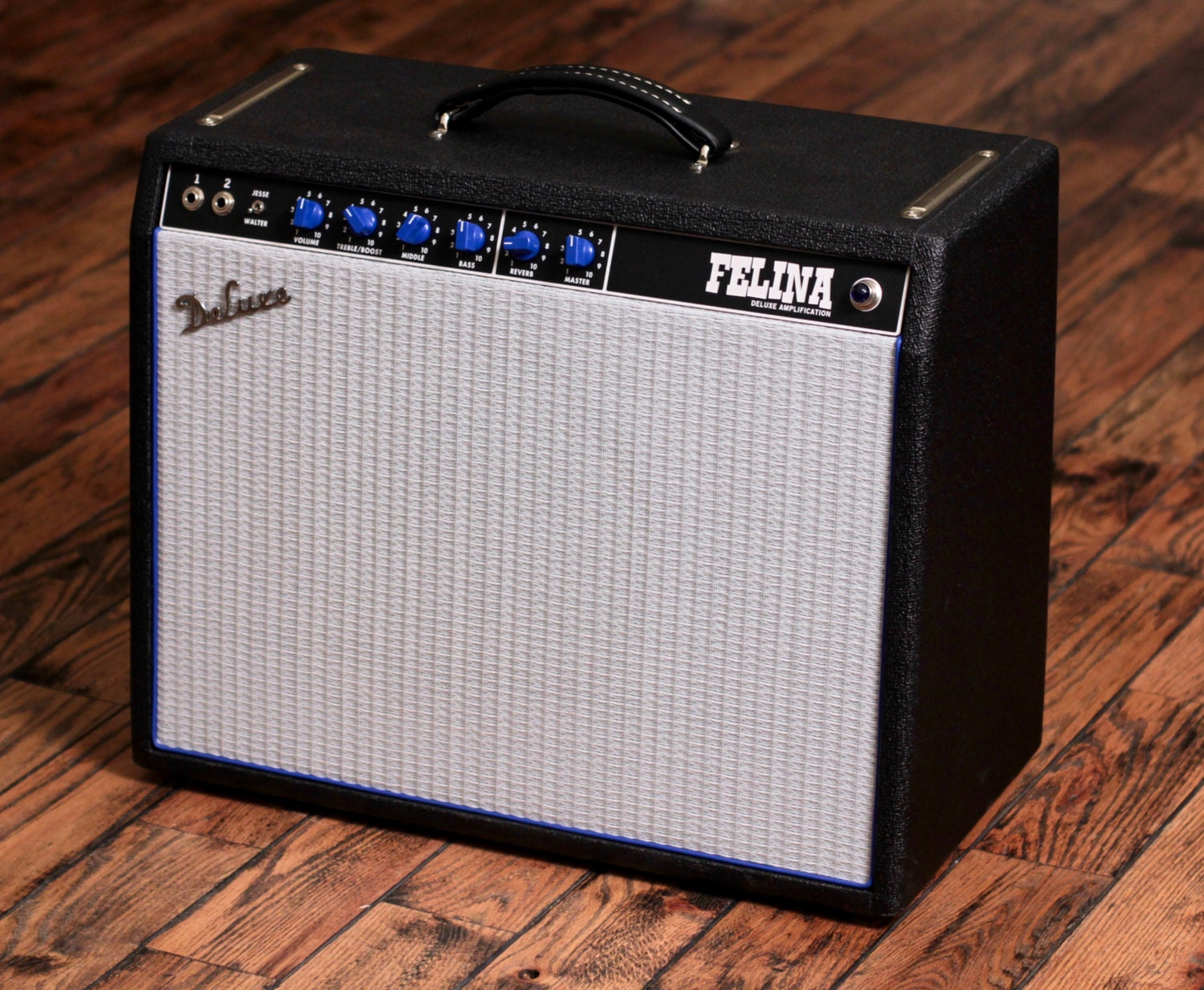 Deluxe Amplification Handwired 22 watt Guitar Amp