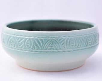Serving Bowl in Pistachio Green - Ceramic Stoneware Pottery