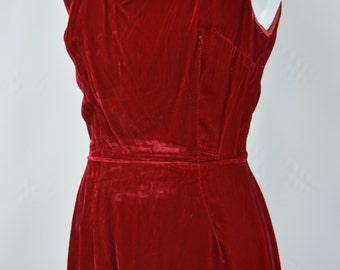 1960s Red Velvet Wiggle Shift Dress, Red Dress, Velvet Dress, Pettisize Jr Dress, 60s Dress, Mod, Mod Dress, 1960s Mod Dress, Vintage Dress