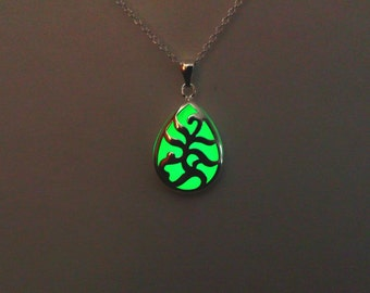 Glowing Pendant - Glow In The Dark Necklace - Gifts For Her - Green Charm Necklace - Teardrop - Gift For Women -Christmas - Anniversary Gift