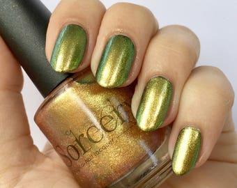 GLITTERING GALLEON / Duochrome Nail Polish / Gold Nail Polish / Green Nail Polish / Metallic Nail Polish / Indie Nail Polish / Vegan Nails