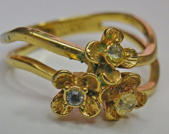 Stated Avon Goldtone Ring