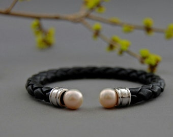 Ciara- Ivory Pearl Leather Bracelet, pearl leather cuff, black leather cuff bracelet, June birthstone gift, pearl fashion jewelry, gift idea