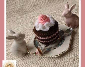 Crochet Cake, Fake Cake, Faux Cake, Mini Crochet Cake, Children's Pretend Cake, Kids Pretend Cake, Kids Play Food, Children's Play Food