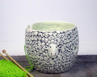 Yarn bowl sheep Knitting or crochet bowl Knitter gift Mother's Day Ready to ship