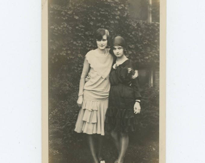 Vintage Snapshot Photo: Girlfriends, 1920s (712628)