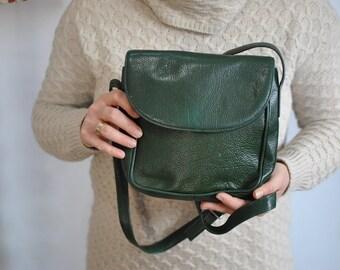 Vintage MESSENGER LEATHER BAG...........(544)