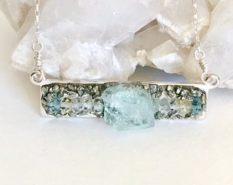 Raw Jewelry Gift for Her, Rough Aquamarine Necklace, March Birthstone Necklace, Aquamarine Jewelry for March, Gemstone Bar Necklace, Blue