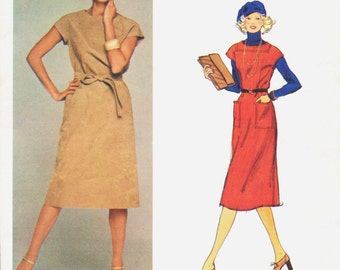 70s Jerry Silverman Womens One Piece Dress Vogue Pattern 1401 Size 12 Bust 34 UnCut Winter Jumper Below Knee Length American Designer