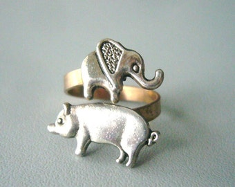 Silver piggy ring with an elephant, adjustable ring, animal ring, silver ring, statement ring
