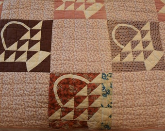 Lovely Basket Quilt: Antique Quilt with Baskets- Both Applique and Piecing;  Excellent Condition!