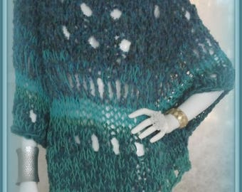SWEATER WOMAN KNITTED Chunky Bulky Oversized Poncho with Sleeves