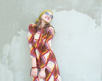 Vintage 1970's mini mod geometrical dress/vintage shift dress/hippie dress/mod dress/vintage mini dress/bow dress/geometrical print dress