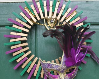 Mardi Gras Wreath - Masquerade Mask - Beads - New Orleans - Fat Tuesday - Home Decor - Decoration