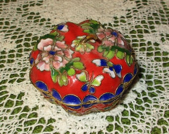 Vintage Brass Enameled CLOISONNE Porcelain Pumpkin~Gourd shape Jewelry Trinket Snuff Box
