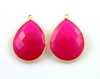 Fuschia Hot Pink Chalcedony Bezel Pear Shape Gemstone Component, Gold Vermeil ,  20x25mm, 1 Piece, (BZCT-1020)