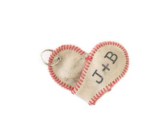 Baseball Mom . personalized baseball keychain .  baseball heart . baseball lover . baseball keychain boyfriend . custom baseball love