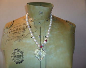 Crystal heart freshwater pearl necklace