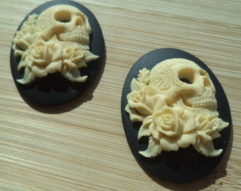 40mm x 30mm oval skull and roses cameo high profile ivory on black 2 pc lot l X N