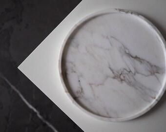 "Round marble tray 23cm(9"") of Italian Calacatta marble, antic finish, white marble tray, minimalist tray, decor marble tray, white tray"