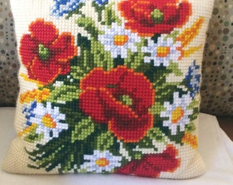 VINTAGE Embroidered Needlepoint Yarn Square Throw Pillow 15 X 15 Floral Beauty!
