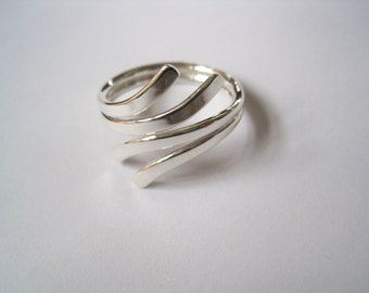 Sterling silver elegant adjustable thumb ring-twin sweep-free shipping