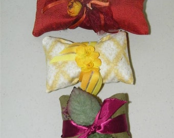 3 Vintage Fabric Millinery Triml French Lavender Sachet Sachets 11100