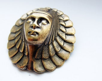 Egyptian queen brooch