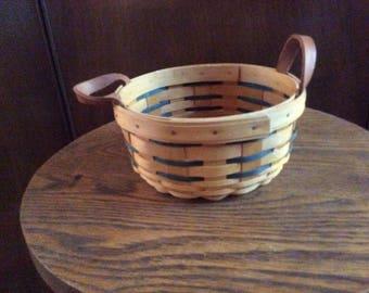Longaberger Handwoven Farmhouse Basket 2001