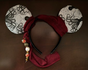 Mouse Ears fit for a Captain