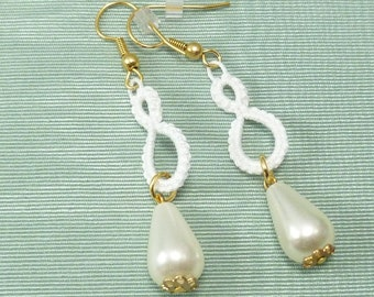 Tatted earrings White Drops with glass pearls and gold