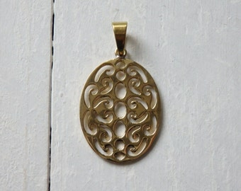 Nepalese brass pendant - one brass pendant from Nepal, oval brass pendant with bail, ethnic brass pendant, 48x27mm brass pendant - 1 pc.