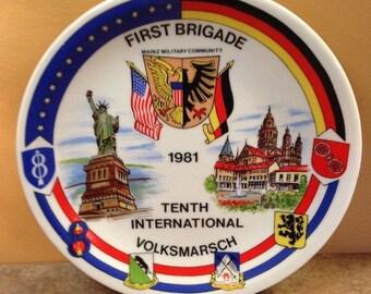 """First Brigade Mainz Military Community 10th International Volksmarsch Plate 1981 - Bauscher Weiden Bavaria Gemany 7.5"""""""