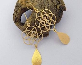 Woman earrings,filigree style,pear shape,dangle earring,fashion earring,trible earring