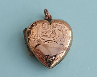 Heart-shaped 9ct Gold Locket. Vintage, 9K Back and Front Heart Pendant