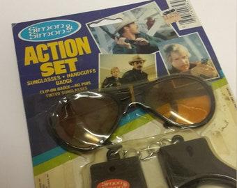 Simon and Simon Gerald mcraney action set sunglasses,handcuffs moc 1983 action set